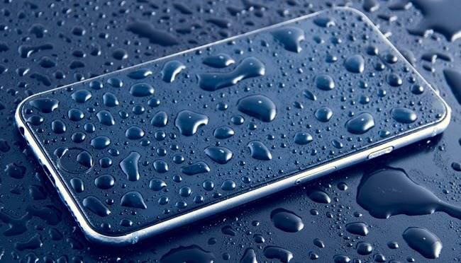 Поправка на намокрен телефон